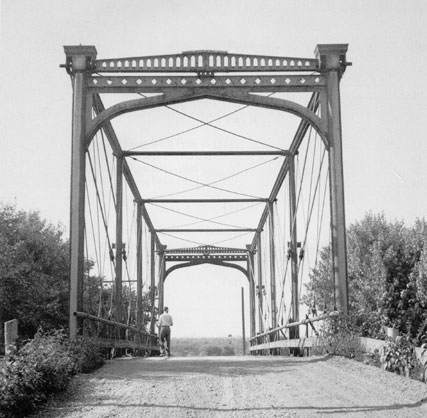 Zoarville Station Bridge in the 1940s